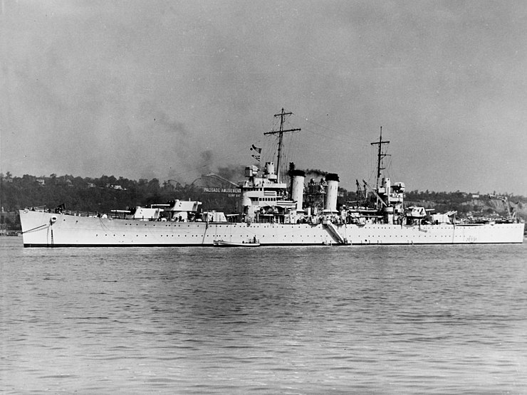 USS Brooklyn (CL-40) in the Hudson River, in 1939 (80-G-1023215)