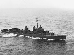 USS Hickox (DD-673) underway at sea, circa in September 1943 (NH 107192).jpg