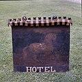 Uithangbord met afbeelding van een paard, Hotel - Arnhem - 20371349 - RCE.jpg