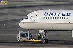 United Airlines - N558UA - Boeing 757-222 - San Francisco International Airport-0713.jpg