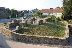 Die Grundmauern der Unteren Burg (2010)
