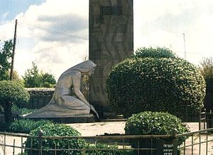 Vardenis - Monument to perished soldiers at the centre of Vardenis