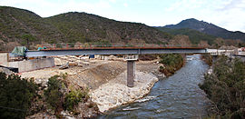 Construction of the new Ajiunta Bridge, carrying the RN200 road over the Vecchio river, between Venaco and Noceta