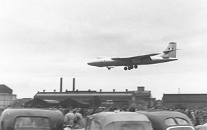 Vickers Valiant - First prototype performing a flight display at Farnborough Airshow, 1951