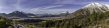 View of Baldy Hill and surrounding ranges, Canterbury, New Zealand.jpg
