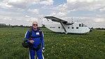 Włodzimierz Karsznia skydiver, Short SC-7 -3M-100 Skyvan SP-HOP.jpg