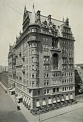 The Waldorf Hotel, which stood on the Empire State Building site from 1893 to 1929