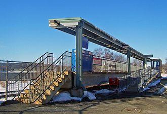 Waterbury station - Station platform