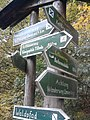 Wegweiser zwischen Kelbra und Kyffhaeuser (Kyffhaeuser-Denkmal 4,0 km).jpg