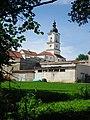 Widok na pokamedulski klasztor w Wigrach.jpg