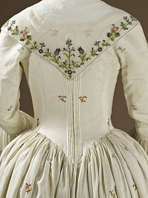 Close-bodied gown - Image: Woman's Robe a l'Anglaise Ensemble LACMA M.59.25a d (6 of 6)