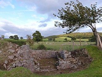 Y Gaer - Image: Y Gaer Brecon Hen Sne 16 corner turret