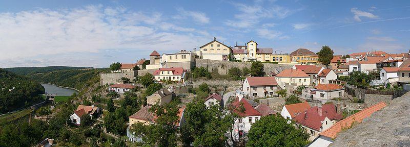 File:Znojmo castle.jpg