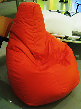 Bean bag - The Sacco beanbag chair, designed by Piero Gatti, Cesare Paolini, Franco Teodoro (1968)