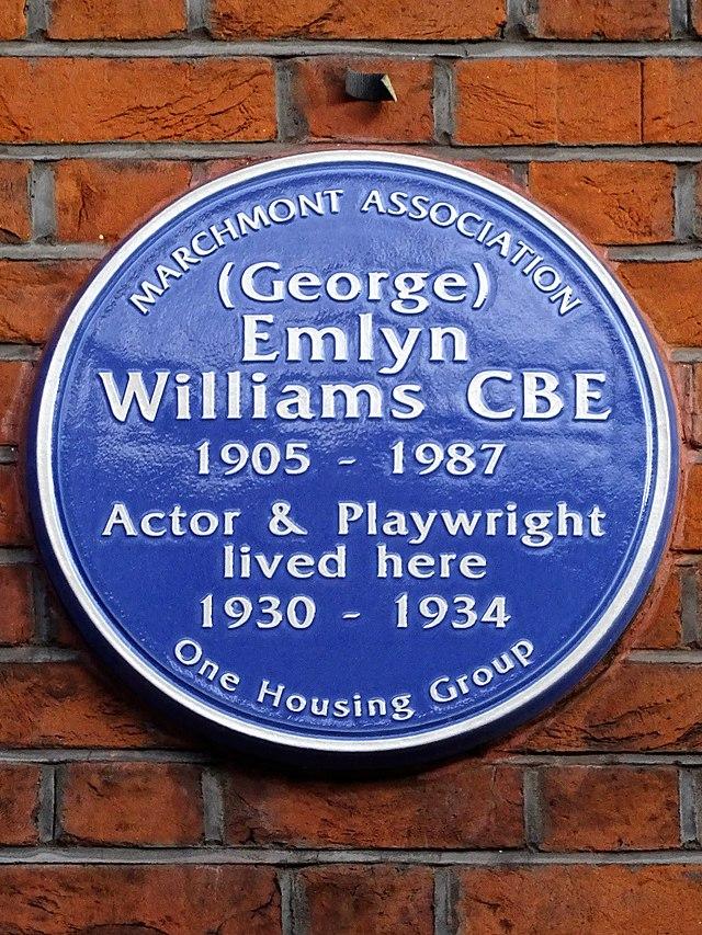 Photo of George Emlyn Williams blue plaque