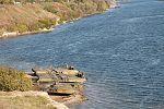 Інженерні підрозділи навели на Дніпрі під Херсоном понтонно-мостову переправу (29837782204).jpg