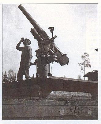 76 mm air-defense gun M1914/15 - Image: Зенитное орудие на колчаковском поезде 1919