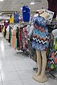 مانکن ها در مرکز خرید دبی مال.jpg