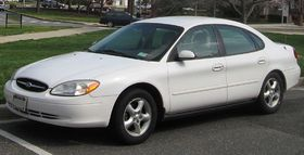 00-03 Ford Taurus SES sedan.jpg