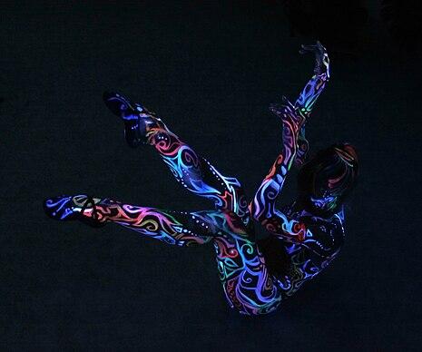 001 Bodypainting von Lucia Jantos - bemahlte Taenzerin Uliana Selezkaja Veranstaltung Kulturtage 2012 in Muenchen.jpg