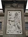 007 Monument a Antonio López, relleu del Crèdit Mercantil i el Banc Colonial.jpg
