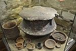 02016 Funde der Lausitzer Kultur aus Bachorz-Chodorowka, ausgestellt im Archäologischen Museum in Sanok.jpg