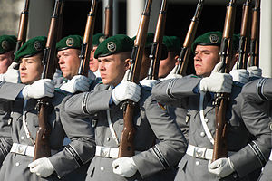 Wachbataillon - Wachbataillon members stand in formation at the Defense Ministry in Berlin.