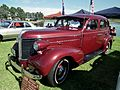 1938 Pontiac Silver Streak sedan (8701478706).jpg