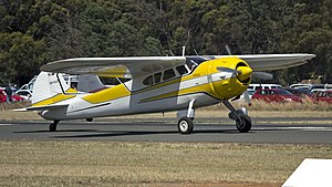 1953 Cessna 195B (VH-VLD) on Runway 36 at Temora Airport.jpg