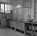 1960 Salle de traite du CNRZ-1-cliche Jean-Joseph Weber.jpg