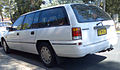 1993-1994 Holden VR Commodore Executive station wagon 04.jpg