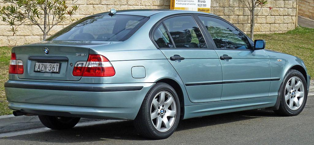 Bmw E90 Wiki >> File:2001-2005 BMW 318i (E46) sedan 02.jpg - Wikimedia Commons