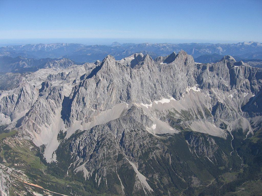 Dachsteinmassiv mit Torstein, Mittelspitz und Hoher Dachstein (UNESCO-Welterbe im Salzburger Land)
