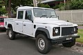 2013 Land Rover Defender (L316 MY13) 130 4-door utility (2015-11-11) 01.jpg