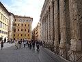 20160422 048 Roma - Piazza di Pietra - Il Tempio di Adriano (26589811932).jpg