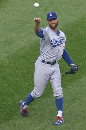 20170718 Dodgers-WhiteSox Chris Taylor warming up.jpg