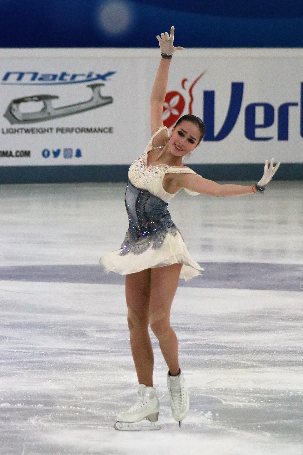 Watch Irina Slutskaya 2x World Champion video
