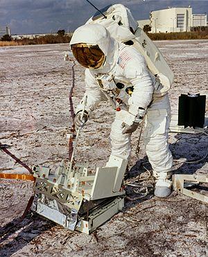astronauts apollo 13 - HD2856×3536