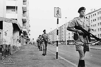 Foreign relations of the United Kingdom - British street patrol in Aden in 1967