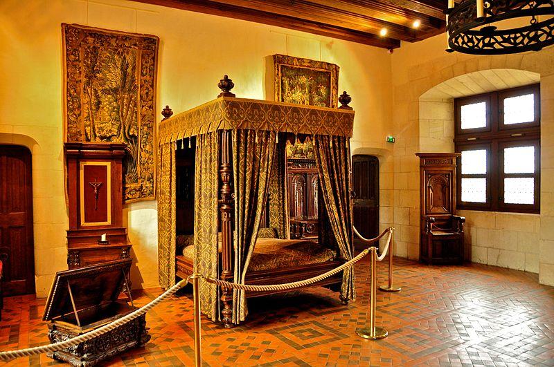 File:Amboise Chateau - King Henri II's Chamber.jpg