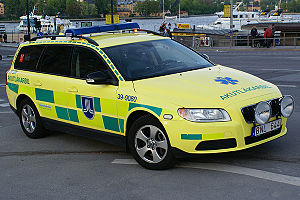 Nontransporting EMS vehicle - Ambulance emergency response car, built on a Volvo V70 in Sweden