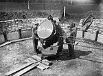 An anti-aircraft searchlight and crew at the Royal Hospital at Chelsea in London, 17 April 1940. H1291.jpg
