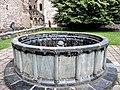 Ancienne fontaine du jardin du cloître.jpg