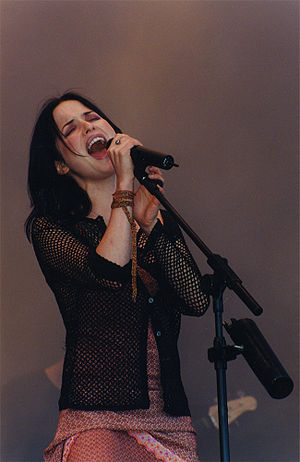 Andrea Corr - Andrea Corr performing at Glastonbury 1999.