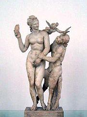 Η Αφροδίτη και ο Έρως αντιστέκονται στην ερωτική επιθετικότητα του Πανός. Εθνικό Αρχαιολογικό Μουσείο Αθηνών.