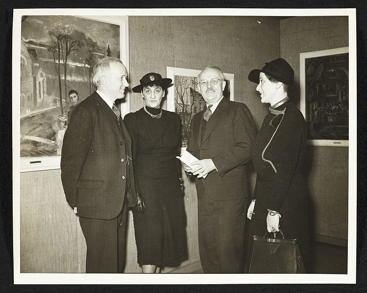 File:Archives of American Art - Audrey McMahon and Holger Cahill with group of people - 6130.jpg