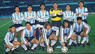 Diego Simeone - Simeone (second from left, lower row) with the Argentina squad that won the 1991 Copa América held in Chile