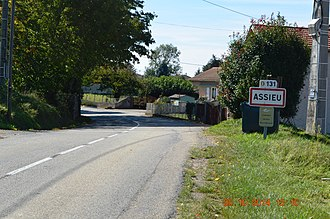 Assieu - The road into Assieu