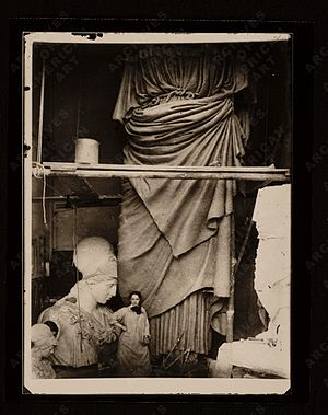 Enid Yandell - Yandell with her Pallas Athena, 1896