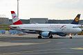 Austrian Airlines, OE-LBS, Airbus A320-214 (15836481683).jpg
